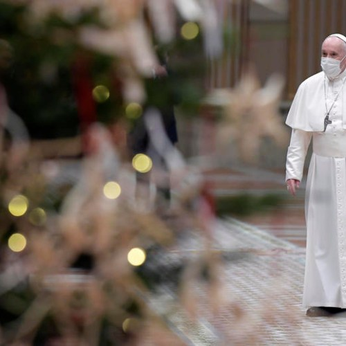 Pope calls on nations to share vaccines