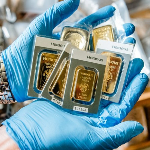 Gold steadies as U.S. stimulus prospects offset firm dollar