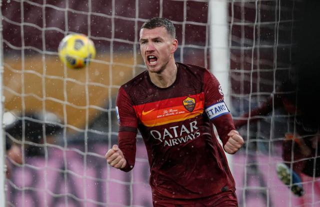 Dzeko gets late winner for Roma, Zielinski inspires Napoli to victory as Lazio stutter again