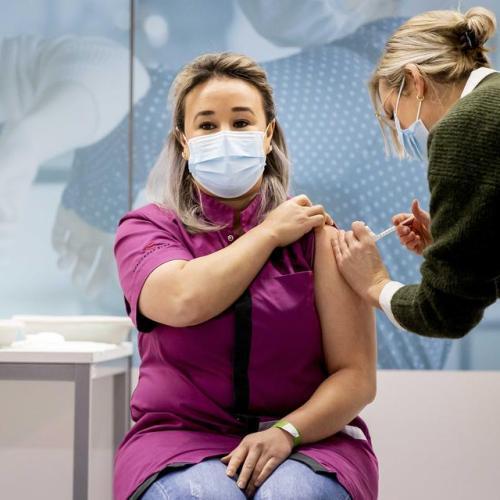 Netherlands starts COVID-19 vaccination