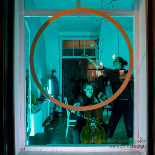 Photo Story: New circus company shows art through windows amid coronavirus in Prague