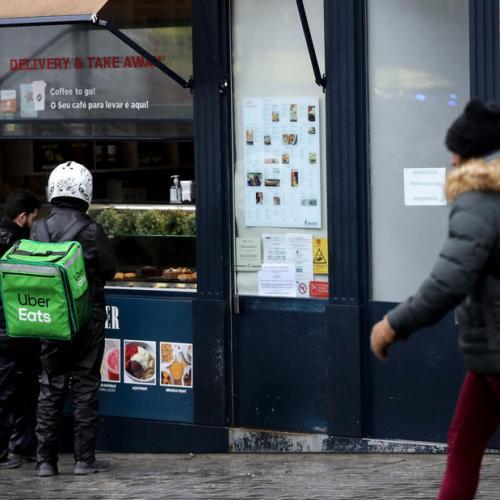 Portugal urged to seek international help as COVID-19 deaths hit record