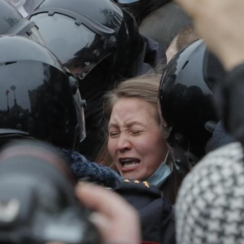 EU should punish Putin for Navalny arrest by cutting money flows – Manfred Weber