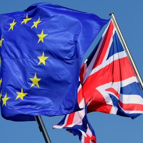 Britain, EU stress commitment to solve N.Ireland border row