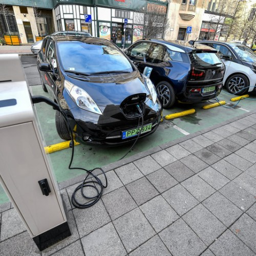 EU told 1 million public EV charging stations needed by 2024