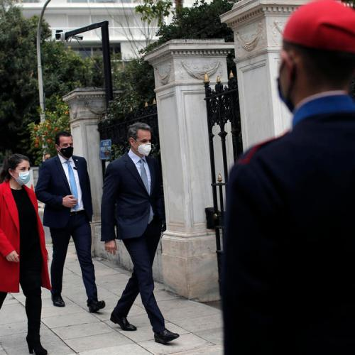Greek PM defends centralised EU vaccine purchasing