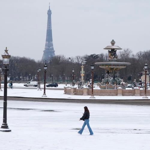 """France presents new climate bill, activists slam """"mini-measures"""""""