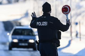 Police detain 11 across Europe in mafia probe