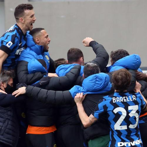 Martinez and Lukaku send Inter four clear after derby win