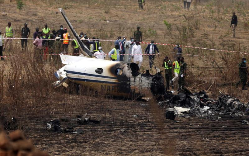 Nigerian air force passenger plane crash kills 7 people – UPDATE