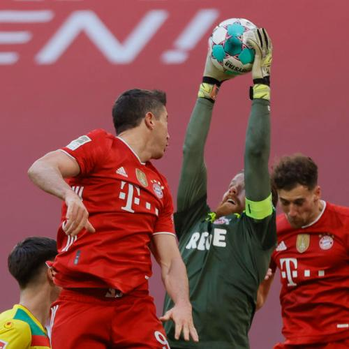 Bayern crush Cologne, Leipzig remain two points behind
