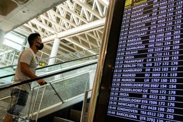 Britain may toughen summer travel rules for Spain – The Times