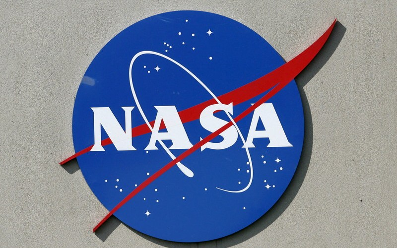 NASA Mars scientists spur girls to 'reach for the stars
