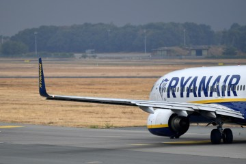 Ryanair to sue UK government over traffic-light system for international travel