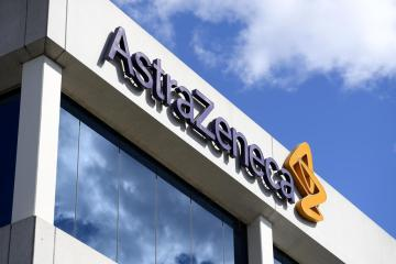 AstraZeneca weighs seeking full, not emergency, U.S. approval for COVID-19 shot