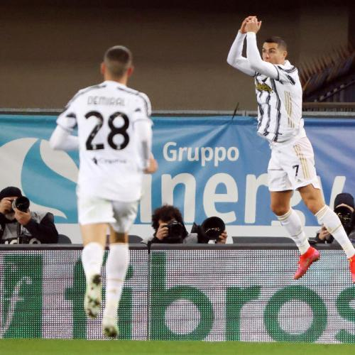 Ronaldo says committed to Juventus amid rumours of Real return