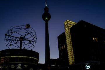 Berliners vote to expropriate large landlords in non-binding referendum