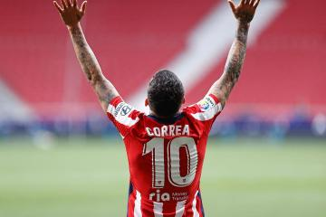 Atletico stay in control of La Liga title race