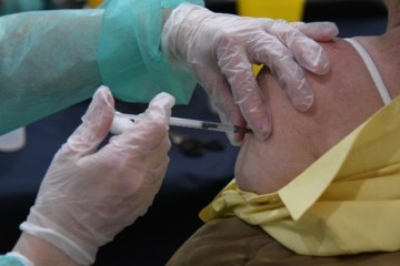 France may grant early COVID vaccine access to obese people