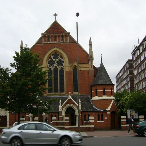 Church complains after UK police shut down London Polish Church Good Friday service