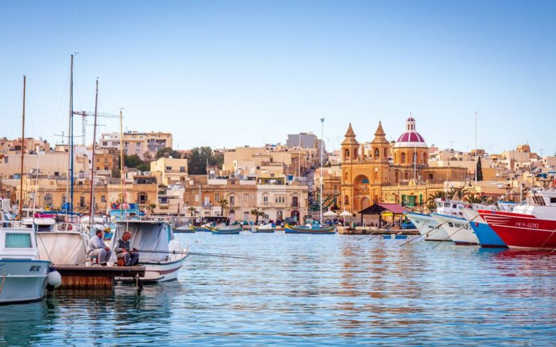 Airport's revenue drops by almost 70% / Malta News Briefing – Wednesday 5 May 2021