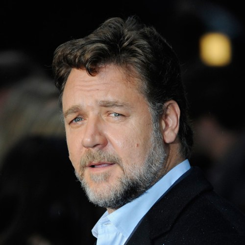 Russell Crowe's father died on flight