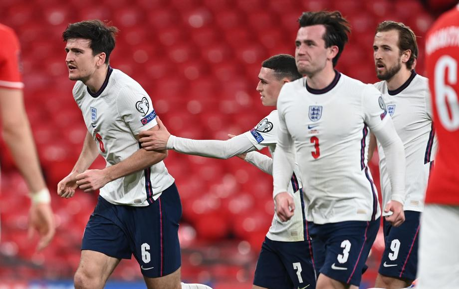 Maguire says father suffered rib injuries in Wembley 'stampede'