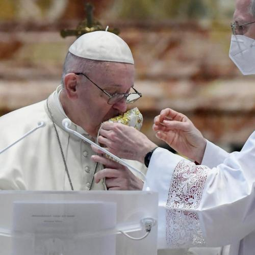 Pope, in Easter message, slams weapons spending in time of pandemic