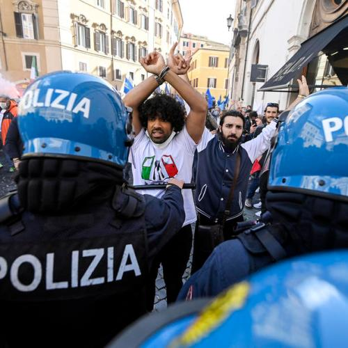 Scuffles as Italy's lengthy COVID-19 curbs spark small business protests