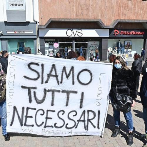 Photo Story – Protest against the ongoing coronavirus restrictions in Turin
