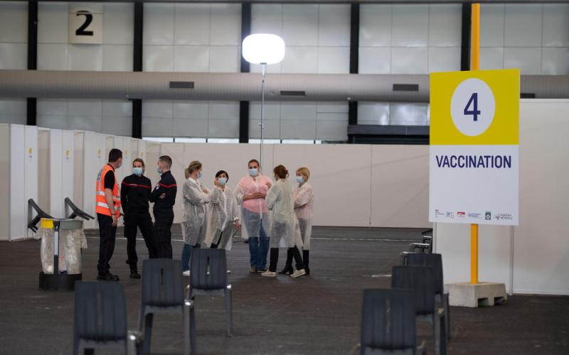 France extends gap between vaccine shots to speed-up rollout