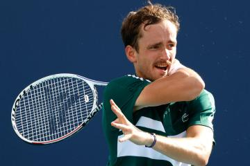 Medvedev tests COVID-19 positive, out of Monte Carlo Masters