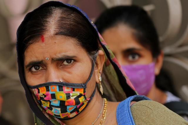 Health experts say India missed early alarm, let deadly coronavirus variant spread