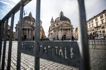 Italy plans to lift quarantine restrictions for some travellers from mid-May