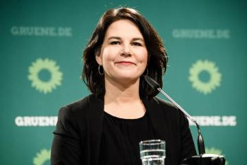 Germany's Greens pitch climate ministry to boost faltering campaign