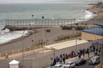 Spain mulls ending deal on Morocco border with enclaves
