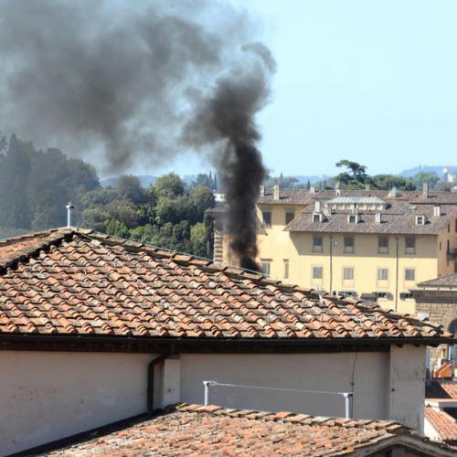 Photo Story: Evacuation of Uffizi Museum in Florence because of suspicious smoke