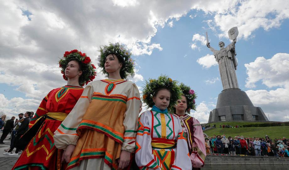 Photo Story – Ukrainians mark the 76th anniversary of the victory over Nazi Germany in World War II