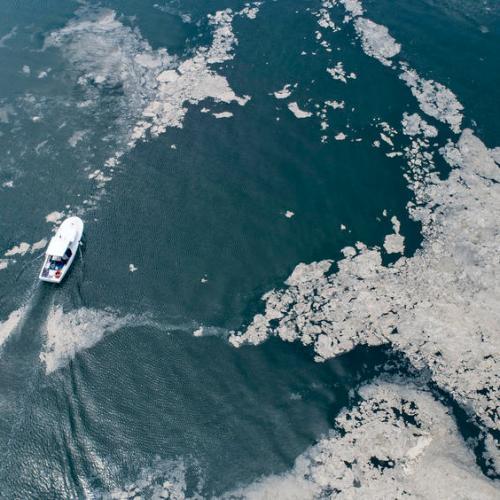 Photo Story – Marmara sea covered by sea snot