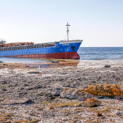 UPDATED: Photo Story: Finnish flagged cargo ship Ramona runs aground in Sweden