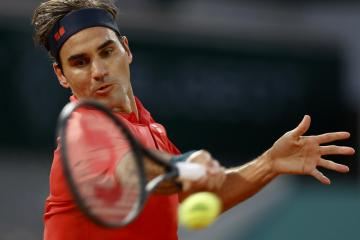 Federer withdraws from Tokyo Games with knee setback