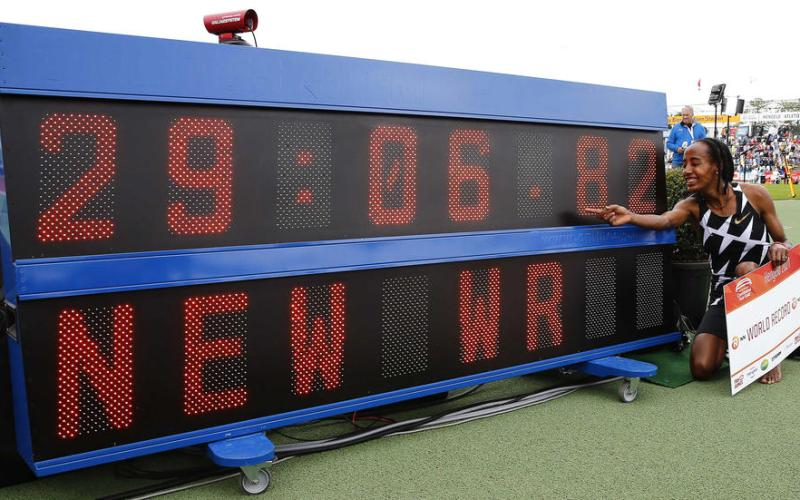 Sifan Hassan smashes women's 10,000 metres world record
