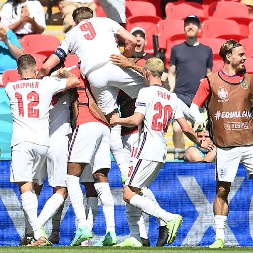 Sterling gives England opening win over Croatia