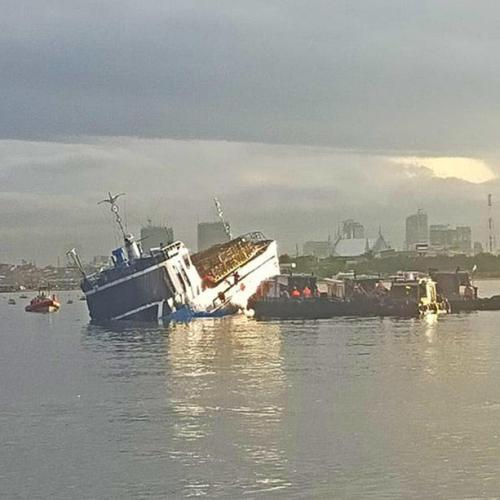 Photo Story: Two ships collide in Manila harbour