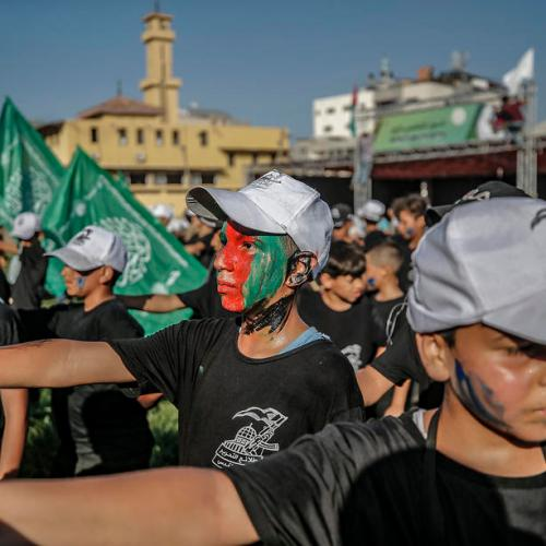 Photo Story – Palestinian youth participate in military summer camp in Gaza City