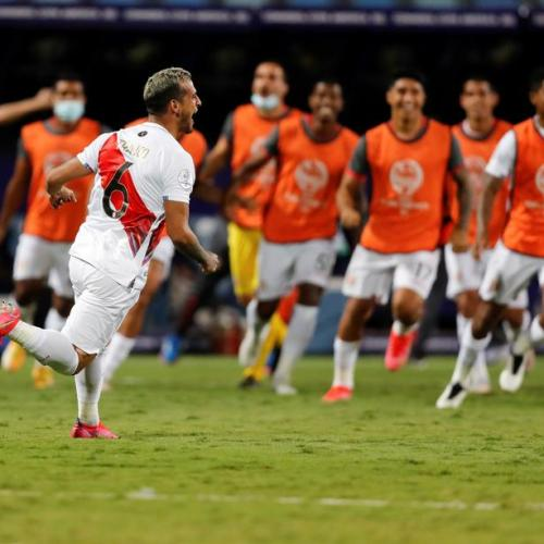 Peru move into Copa semi with penalties win over Paraguay