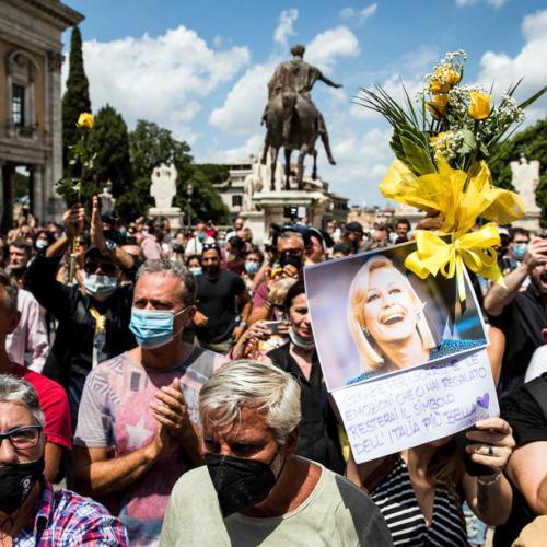 Photo Story – Raffaella Carra's funeral ceremony in Rome