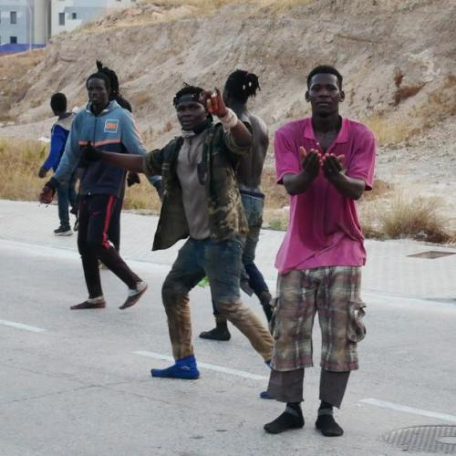 Photo Story – Some 300 migrants reach Spain by jumping border fence in Melilla