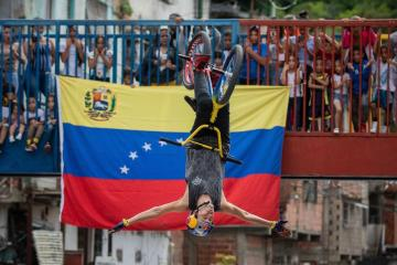 Photo Story: Freestyle BMX takes over gun violence in Caracas