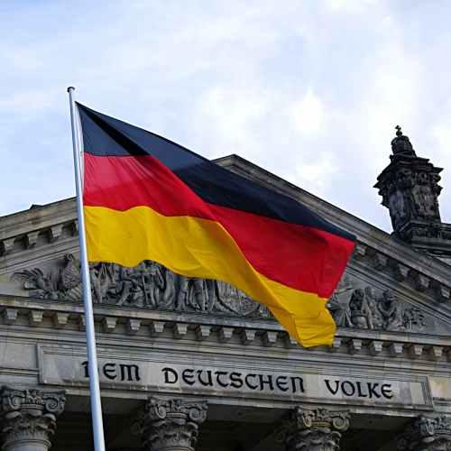 Merkel's CDU and Social Democrats level in polls
